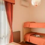 109. camera con letti castello